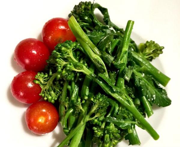 トマト ブロッコリー